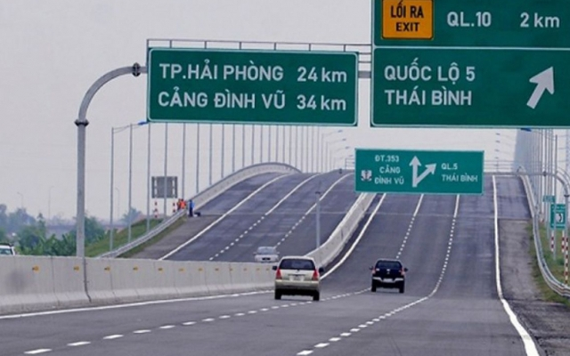 Slide - Điểm tin thị trường: Rút 4.000 tỷ từ ngân sách trả nợ cao tốc Hà Nội - Hải Phòng