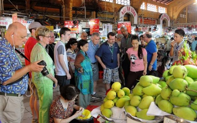 Slide - Điểm tin thị trường: Khách quốc tế tới Việt Nam có xu hướng giảm