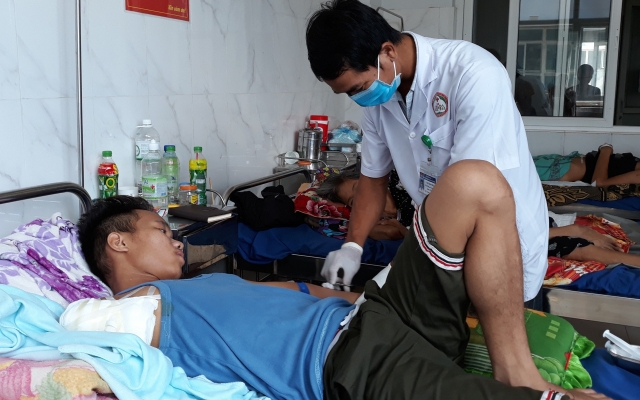 Đắk Lắk: Nam thanh niên mất cánh tay phải vì bị rắn cắn