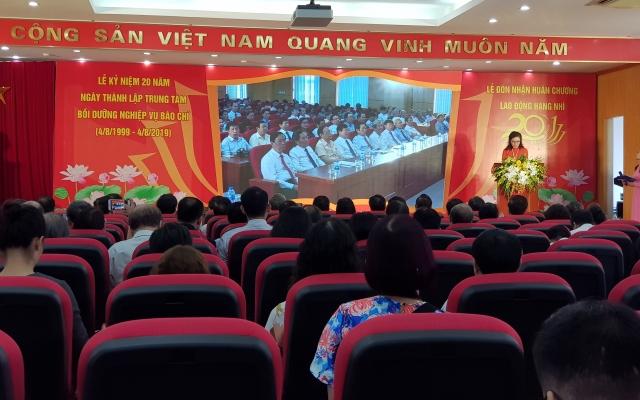 Trung tâm Bồi dưỡng Nghiệp vụ báo chí - Hội Nhà báo Việt Nam đón nhận Huân chương Lao động hạng Nhì
