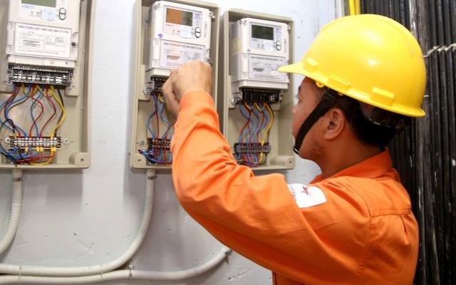 Slide - Điểm tin thị trường: EVN tăng giá điện bán buôn