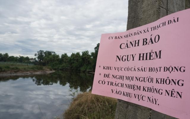 """""""Cấm sông"""", truy tìm cá sấu bất ngờ xuất hiện tại Hà Tĩnh"""