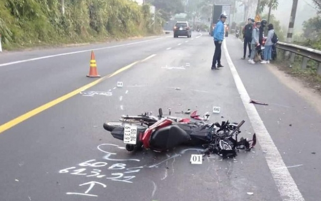 Lâm Đồng: Va chạm với xe đầu kéo trên đèo, nam thanh niên thiệt mạng