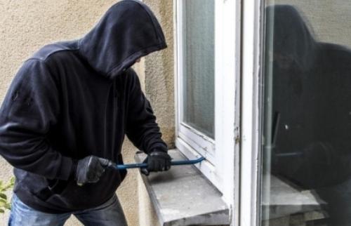 Bắt nhóm đối tượng chuyên đột nhập cơ quan, trường học trộm tài sản