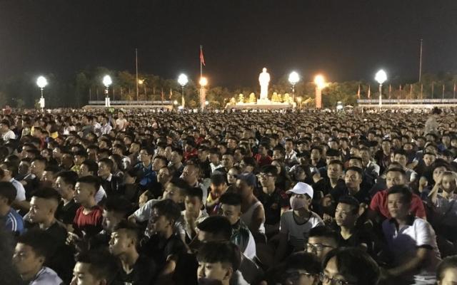 Từ hôm nay Nghệ An cấm tụ tập trên 10 người để chống dịch Covid-19