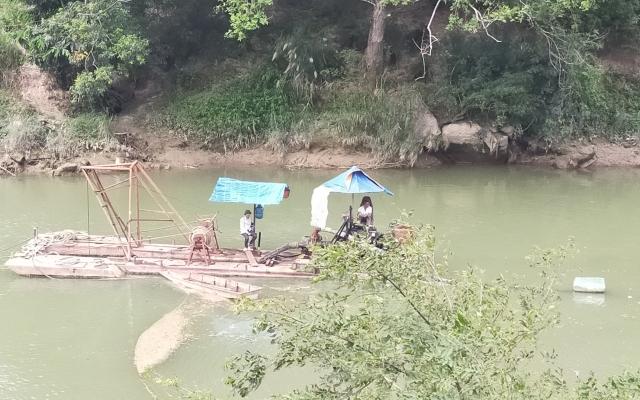 Hà Giang: Công ty TNHH Trường Thịnh vẫn ngang nhiên khai thác cát ngoài phạm vi cấp phép?