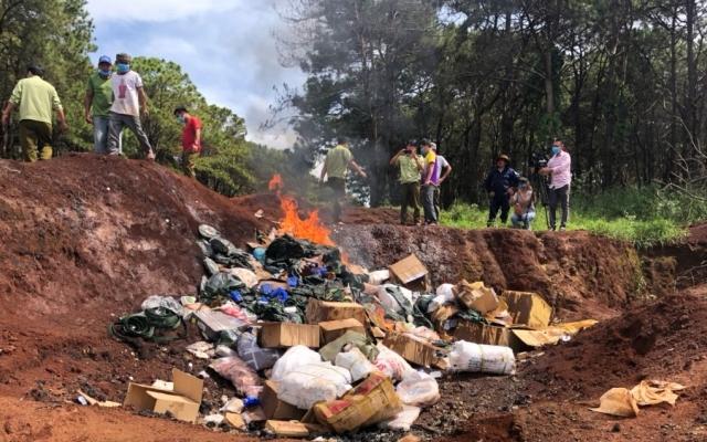 Gia Lai: Tiêu hủy 1.324 kg thực phẩm tươi sống không rõ nguồn gốc