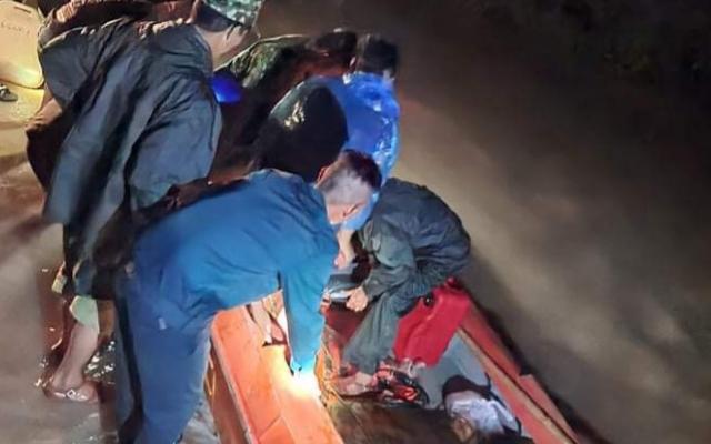 Tìm thấy thi thể nạn nhân bị lũ cuốn trôi trong đêm ở Đắk Lắk