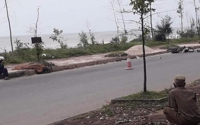 Phát hiện thi thể nam thanh niên bên đường ven biển ở huyện Quỳnh Lưu