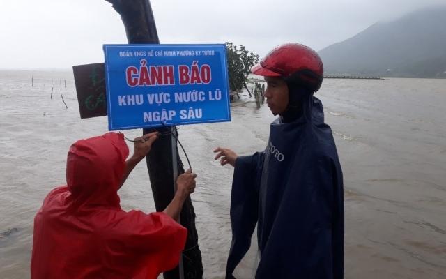 Lũ lên nhanh, hơn 20 vạn học sinh ở Hà Tĩnh nghỉ học