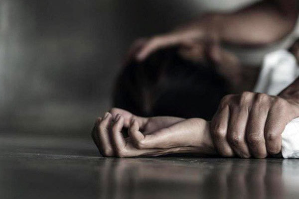 Người phụ nữ 17 tuổi ở Yên Bái chết trong tình trạng bị trói tay chân