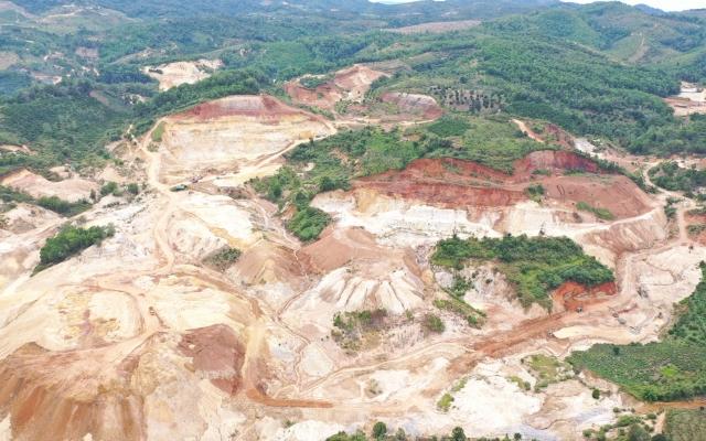 Núi rừng Lâm Đồng tan hoang vì nạn khai thác cao lanh