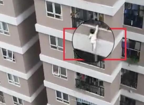 """Bé gái 3 tuổi rơi từ tầng 12 chung cư và tình huống """"cứu nguy thần kì"""" của """"người hùng"""" Nguyễn Ngọc Mạnh"""
