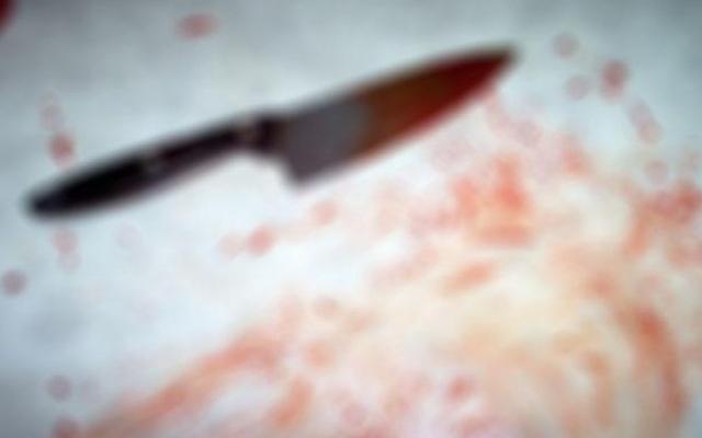 Ông ngoại cầm dao chém cháu rồi nhảy lầu tự sát