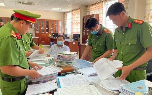 An Giang: Để doanh nghiệp trốn thuế, 3 cán bộ bị bắt