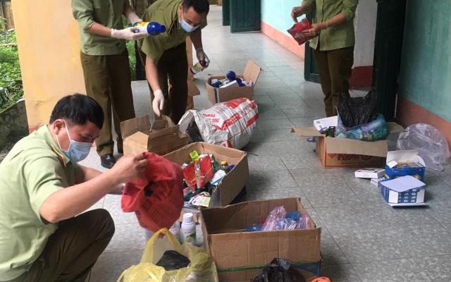 Lào Cai: Thu giữ hơn 100 kg thuốc Bảo vệ thực vật chưa tìm thấy chủ