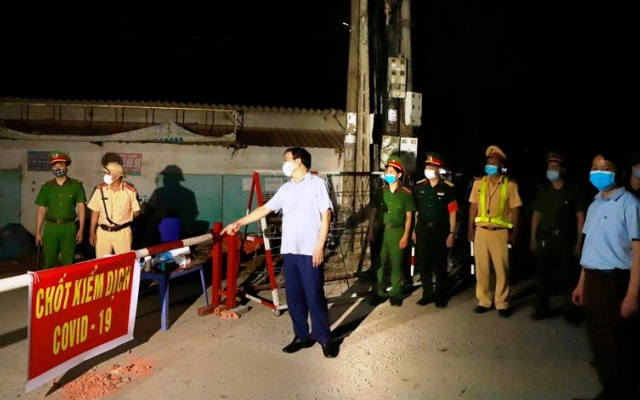 Lập 4 chốt kiểm soát dịch Covid-19 ở thôn Báo Văn 1, huyện Yên Lạc