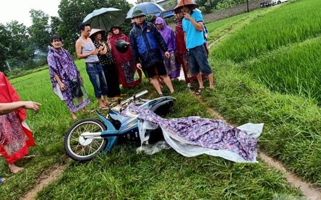 Nghệ An: Một phụ nữ bị sét đánh tử vong trên đường đi làm đồng về
