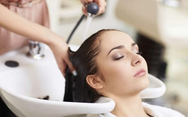 Thợ cắt tóc, gội đầu, massage…phải đóng thuế từ ngày 1/8