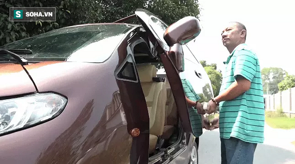 """""""Cha đẻ"""" chiếc ô tô điện Việt Nam chạy 100km tốn 15.000 đồng tiền điện: """"Tôi đã phải bán nhà"""""""