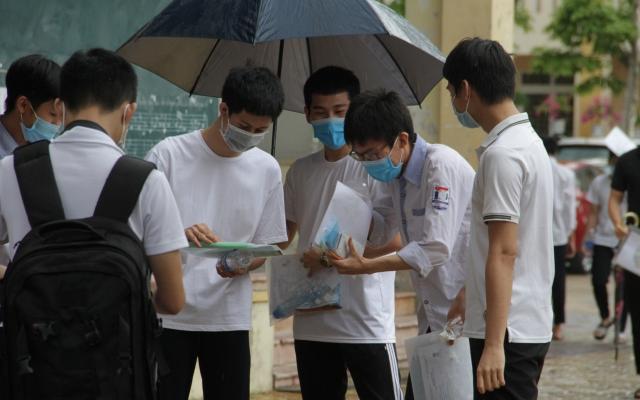 """""""Mưa điểm 10"""" ở Nghệ An với 761 bài thi đạt điểm tối đa"""