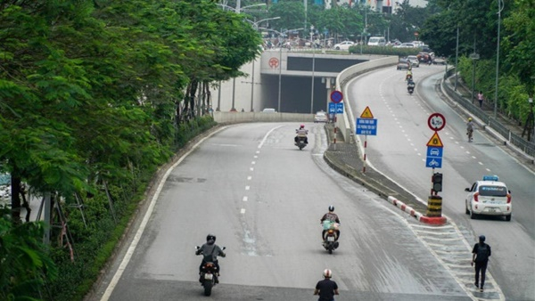 Hà Nội: Cấm lưu thông một chiều hầm Kim Liên để sửa chữa