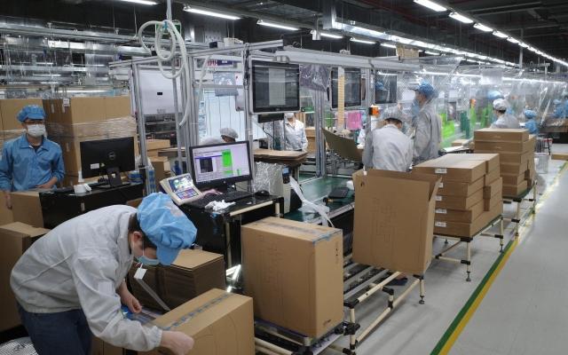 Đưa công nhân Công ty Fushan trú tại xã Đại Đồng đến nơi ở mới