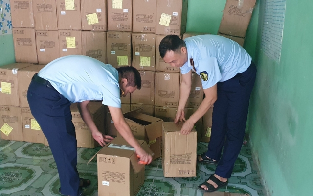 3 nghìn thiết bị y tế không rõ nguồn gốc bị bắt tại Hưng Yên