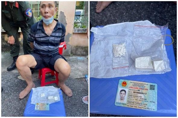 """Hà Nội: Người đàn ông """"sở hữu"""" 5 tiền án vẫn ôm ma túy thông chốt 141"""