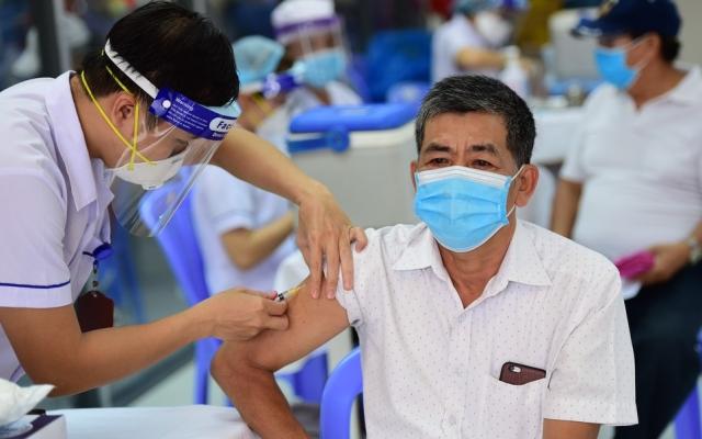 Việt Nam đã tiêm gần 76 triệu liều vaccine Covid-19
