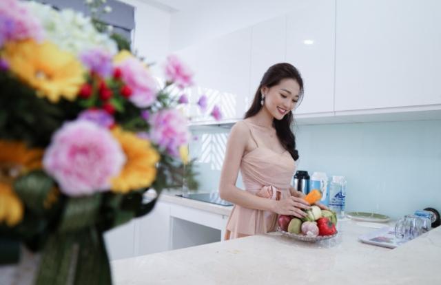 Hoa hậu ảnh Ngọc Nữ mê mẩn check-in tại shophouse hạng sang Center Park – An Cựu City
