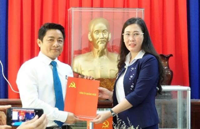 Chánh Văn phòng UBND tỉnh Quảng Ngãi làm Bí thư huyện Mộ Đức