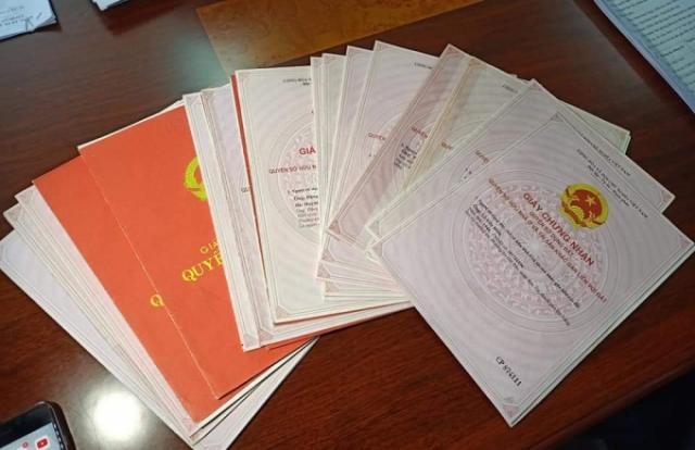 Liên quan vụ 'mượn' 22 sổ đỏ tại Đà Nẵng: Bàn giao 19 sổ đỏ cho VPĐKĐĐ quận Sơn Trà