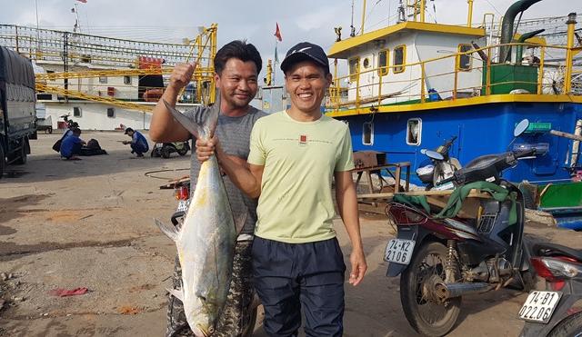 Ngư dân kể chuyện đánh trúng mẻ cá 'khủng' 120 tấn