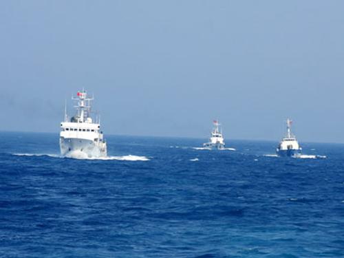 Tàu Trung Quốc cứu hộ thành công ngư dân Việt Nam gặp nạn trên biển