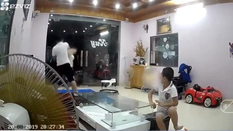 Danh tính người đàn ông đánh vợ trước mặt con