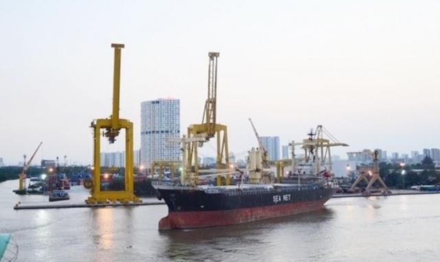 Khi tàu pha sông biển hoạt động như tàu biển