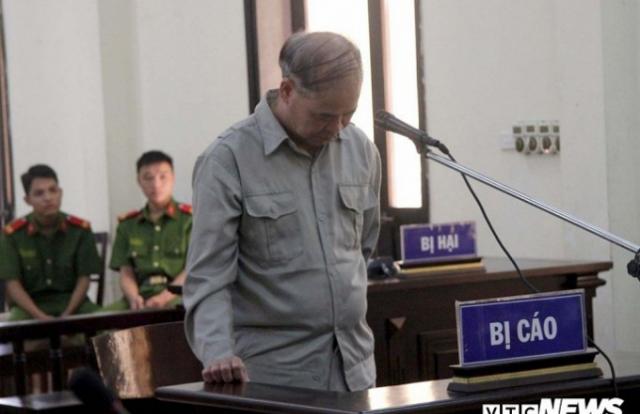 Cựu hiệu trưởng xâm hại tình dục nhiều nam sinh lĩnh án 8 năm tù