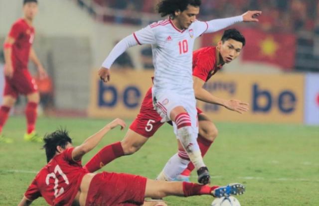 Việt Nam - UAE: 1 - 0: Sự hồi sinh mạnh mẽ của 'đôi chân pha lê' Tuấn Anh