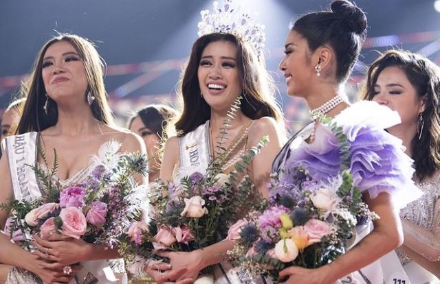Tân Hoa hậu Hoàn vũ Việt Nam Khánh Vân chia sẻ từng bị xâm hại tình dục