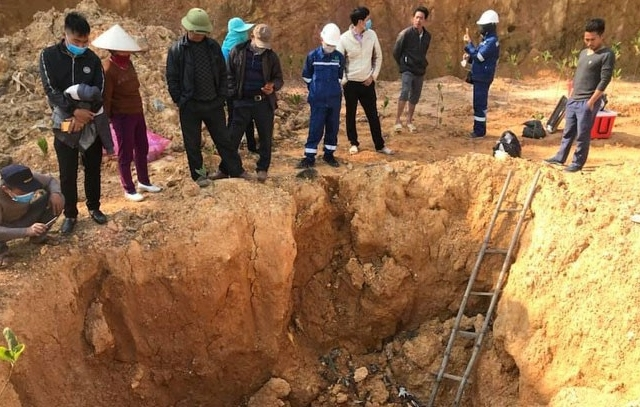 Công an điều tra vụ chôn hóa chất ở Sóc Sơn