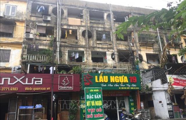 Gỡ 'nút thắt' trong cải tạo, xây mới chung cư cũ Hà Nội