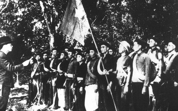 KHÓ TIN: Ngày thành lập, Quân đội Việt Nam chỉ có... 34 khẩu súng