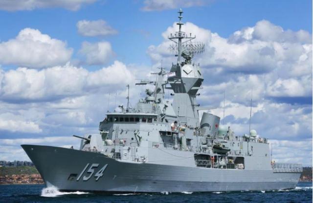 Tàu khu trục Úc cùng 3 tàu chiến Mỹ vào biển Đông