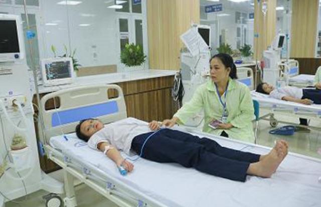 Hàng chục học sinh ở Hải Phòng nhập viện sau khi uống nước ngọt