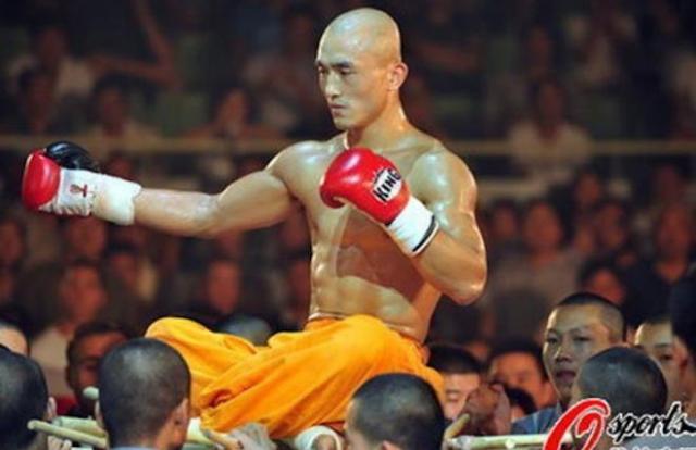 'Đệ nhất Thiếu Lâm' chịu nhục vì mải livestream, quên tập võ