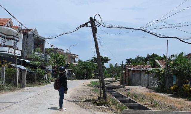 Báo động tình trạng người dân tự ý kéo đường điện ở Phú Yên