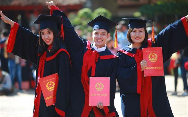 Từ 1/7, sinh viên tốt nghiệp loại xuất sắc có thể được xét tuyển vào viên chức