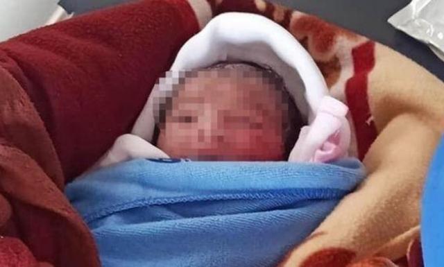 Bé gái sơ sinh bị bỏ rơi ngoài ruộng khoai ở Thái Bình