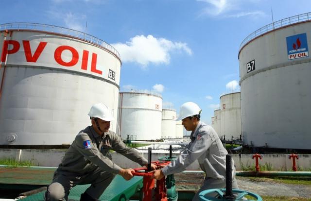 """Lợi nhuận rơi theo giá dầu, doanh nghiệp xăng dầu """"gánh"""" lỗ tới hơn 4.000 tỷ"""
